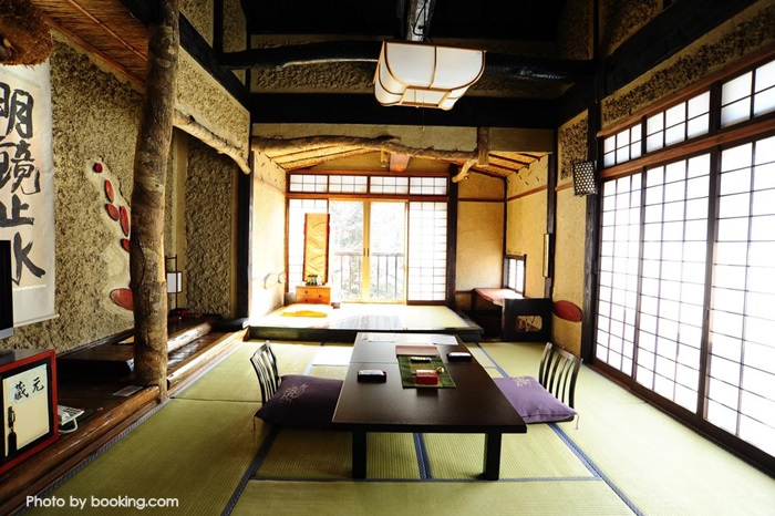 Honke Bankyu Hot Spring Ryokan
